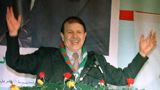 Abd al-Aziz Bouteflika während einer Rede