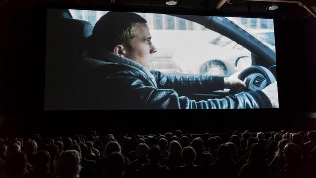 Sco cineast pitschen n'èsi betg simpel da dumagnar l'agen film en ils kinos.