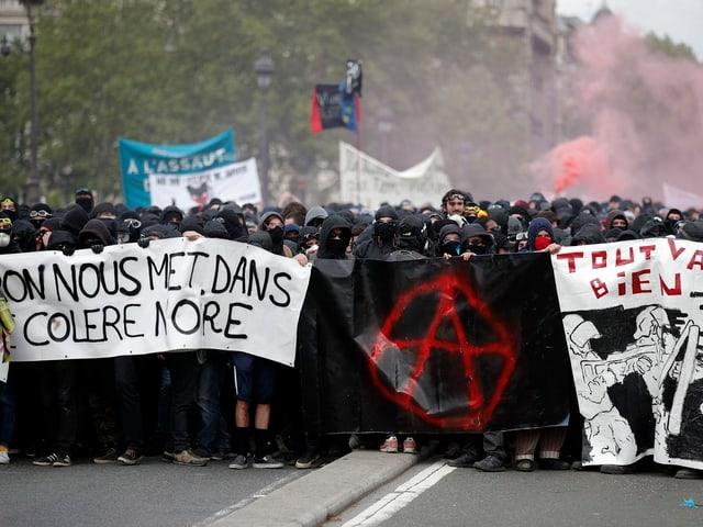 Marsch des «Schwarzen Blocks»