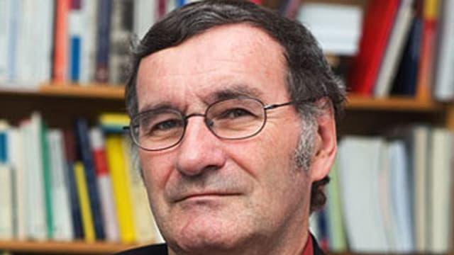 Portraitbild Roger Blum