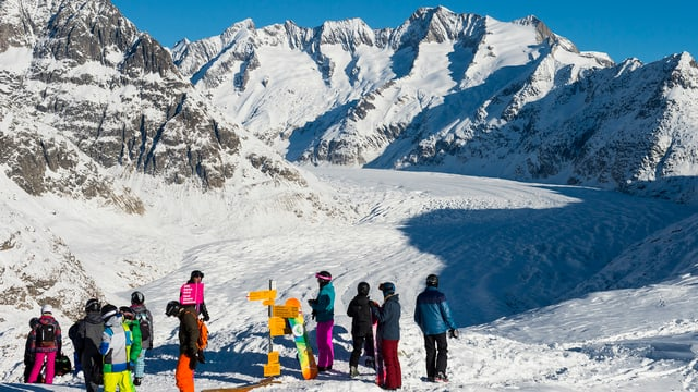 Skifahrer am Aletsch-Gletscher.