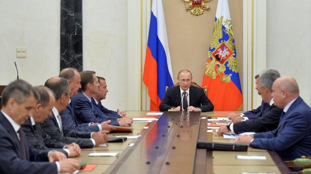 Russlands Präsident Putin bei einer Sitzung mit dem Sicherheitsrat.