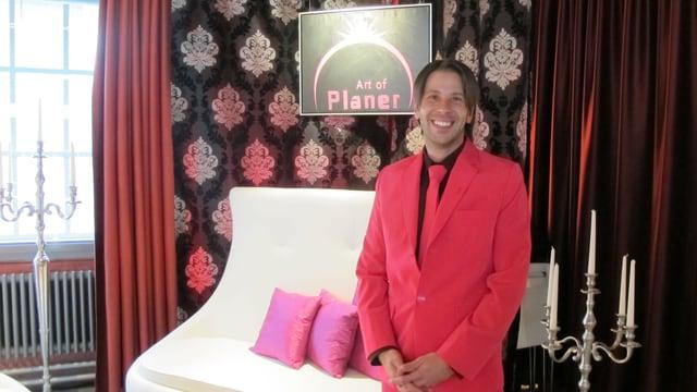 Patrick Bobst ist mit seiner Agentur Art of Planer auf die Durchführung von Homo-Hochzeiten spezialisiert.