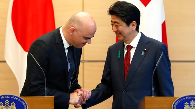 Alain Berset und Shinzo Abe.