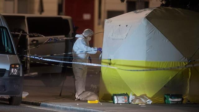 policist vestgì en vestgì steril ad in plaz da delict