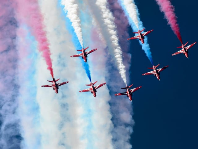 Kunstflugteam Red Arrows der britischen Luftwaffe Royal Air Force
