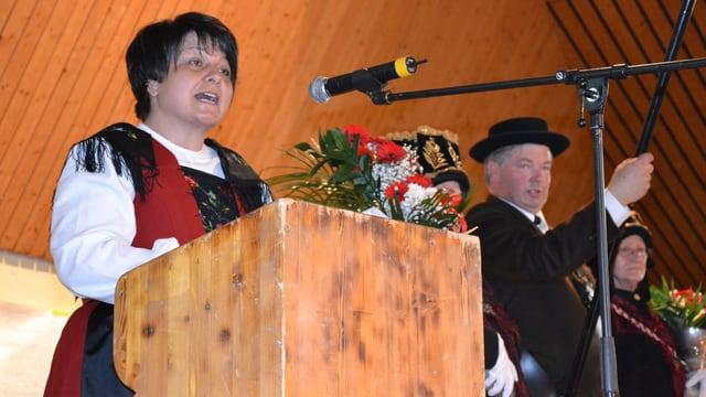 Karin Niederberger am Rednerpult