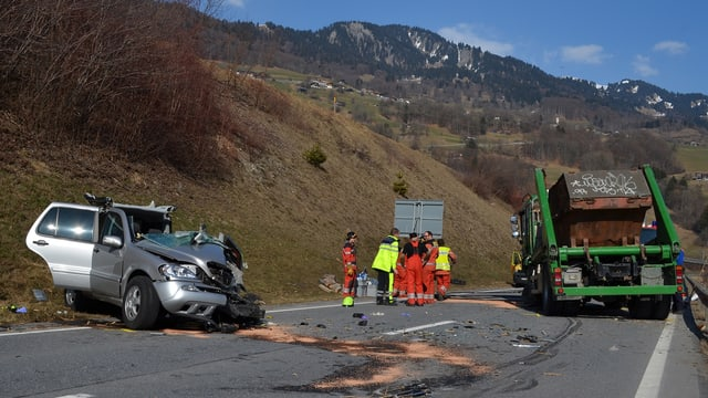 Plazzal d'accident sin via naziunala en il Partenz.