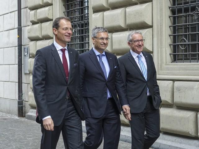 Die drei bürgerlichen Regierungsräte Wyss, Graf und Küng wurden im ersten Wahlgang gewählt.