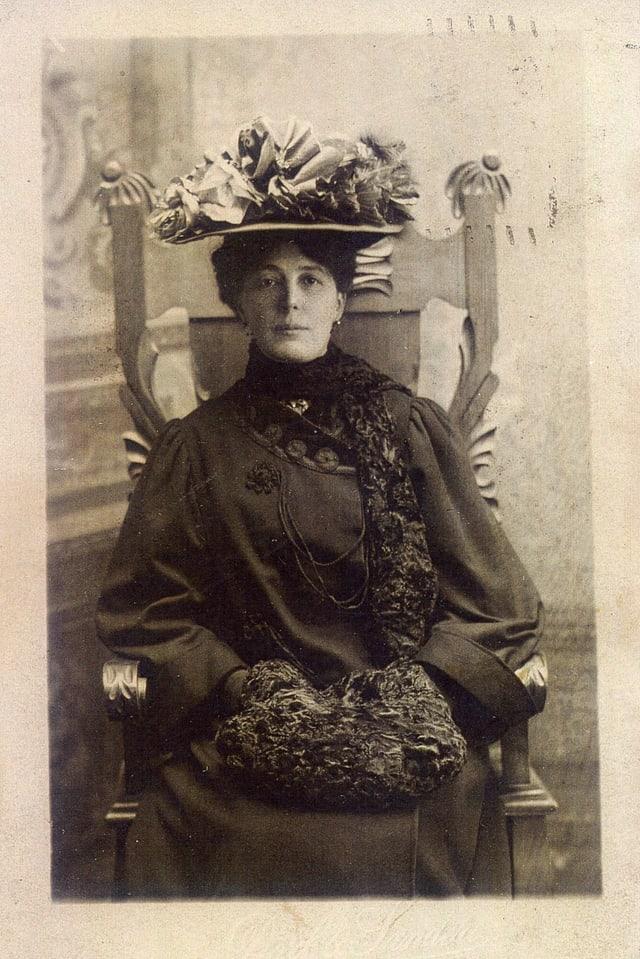 Margaret Dolf-Nicca, mamma da Georg Dolf
