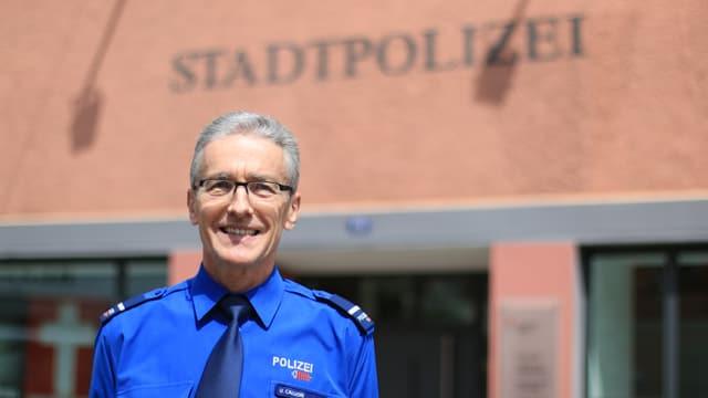 Ueli Caluori, il cumandant da la polizia da citad da Cuira