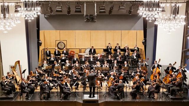 Argovia Philharmonic gibt ein Konzert im Kultur- und Kongresszentrum in Aarau.