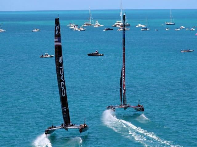 Team Oracle fliegt Spitzenreiter New Zealand hinterher.