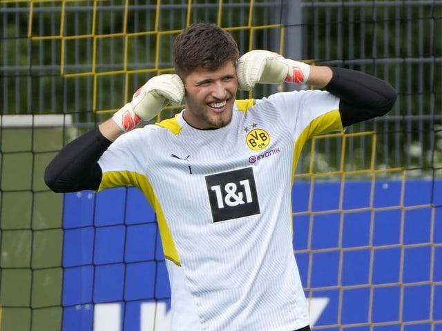 Gregor Kobel im Training von Borussia Dortmund