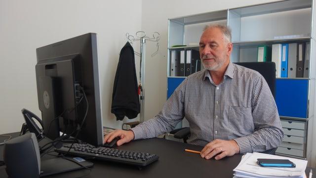 Dal 1997 fin il 2010 è Leo Thomann stà deputà dal cussegl grond per il cirquit Surses.