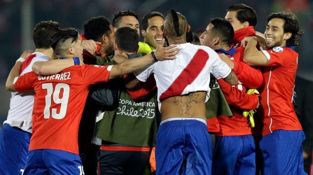 equipa naziunala da ballape dal Chile sa legra