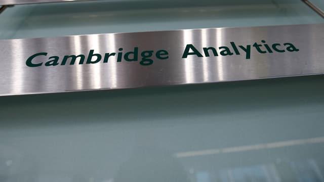 Firmenschild von Cambridge Analytica