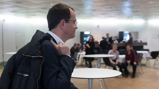 Daniel Stolz im Wahlforum am Wahlsonntag am 18. Oktober 2015.