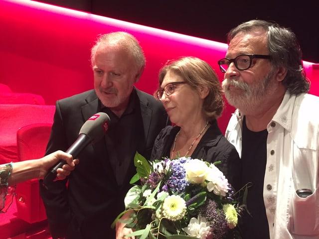 Gerührt nach der Premiere: Das Orginaltrio mit Peter Reber, Sue Schell und Marc Dietrich (v.l.)
