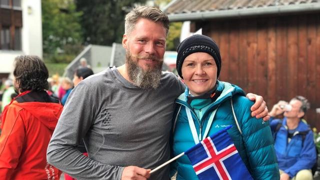 Kjartan Steindorsson e sia dunna Elisa Johansdottir.