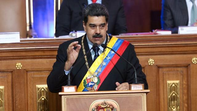 Maduro spricht.