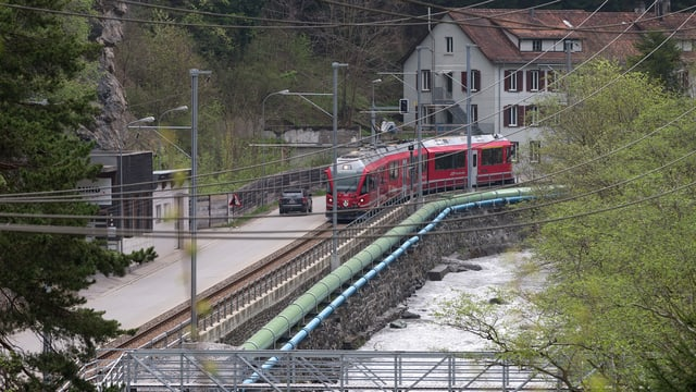 Meiersboden cun Viafier d'Arosa e via d'autos.