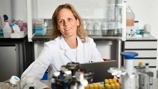 Tina Bürki in ihrem Labor.