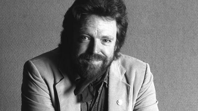 Porträt eines Manne mit Bart.
