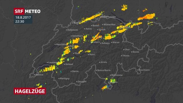 Eine Schweizer Karte mit den Hagelzügen der vergangenen Stunden.