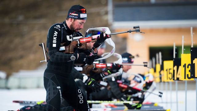 La squadra da biatlon Svizra trenescha gugent a Lai. Ussa vegn schizunt fabritga la nova chasa da biatlon a Lantsch.