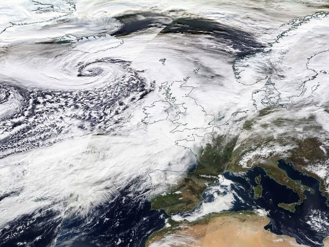 Sturm im Nasa-Satellitenbild