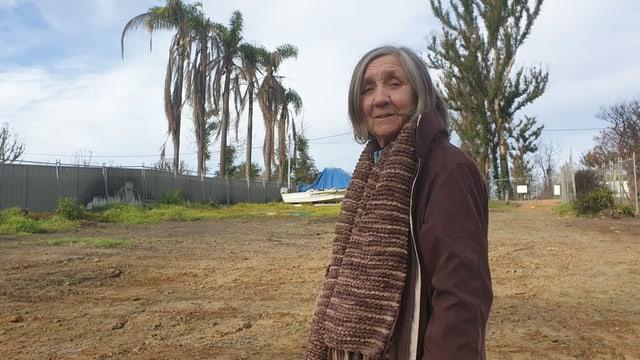 Alles verloren: Elaine Caswell steht auf ihrem Grundstück