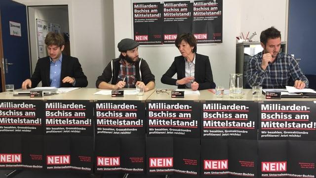 Il comité grischun NA a la refurma sesa davos maisa, Simon Suter, Christina Bucher-Brini, Gion Flurin Alig, Enea Baselgia