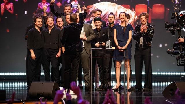 Alle bisherigen «SRF 3 Best Talent»Jahressieger auf einem Bild