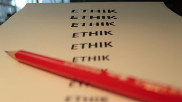 Ethik geschrieben auf A4 Blatt