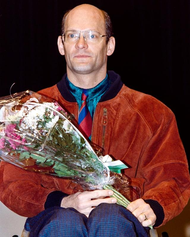 Heinz Frei mit Blumenstrauss 1993