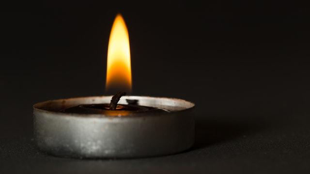 Brennende Kerze.