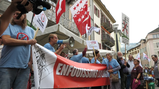 Widerstand auch vor dem Rathaus