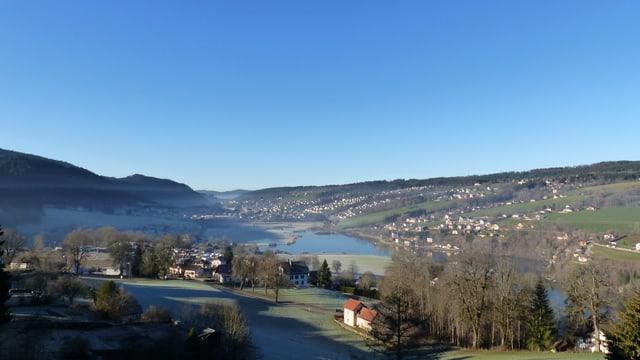 Am Morgen lagen die Temperaturen in den Juramulden deutlich unter dem Gefrierpunkt. Le Lac Brenets.