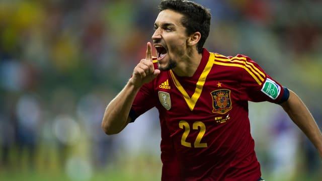 Navas jubelt nach seinem verwandelten Penalty gegen Italien mit erhobenem Zeigefinger.