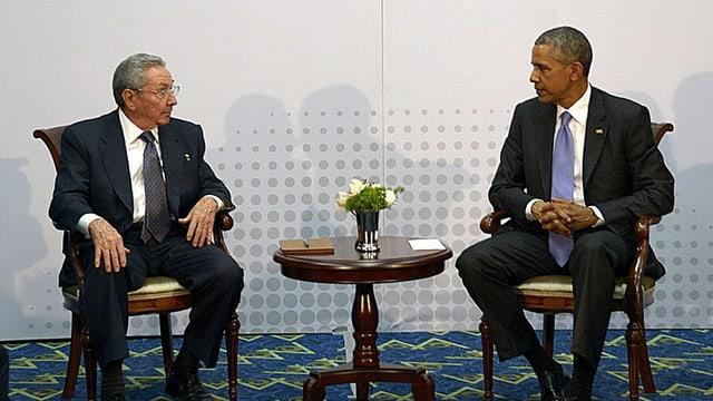 Raúl Castro (sanester) e Barack Obama.