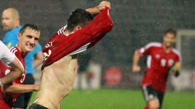 Albanien - hier jubelt Edgar Roshi gegen Slowenien - steht derzeit auf Rang 3.