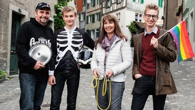 Video «Fiirabig in Baden – von Hunden und Dragqueens» abspielen