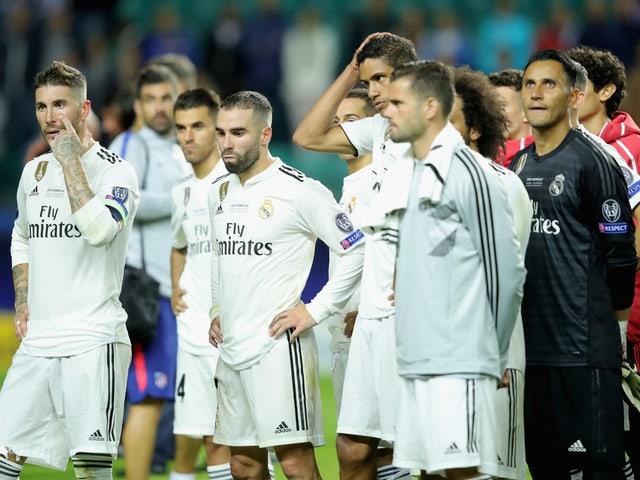 Spieler Real Madrids nach der Supercup-Niederlage.