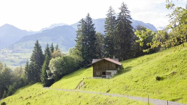 Eine Alphütte auf dem Weg auf den Niesen.