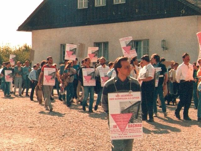 Demonstration im KZ Dachau 1987.