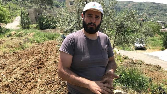 Elie Hassoun, 33, ist Christ und von Beruf Fotograf. In seiner wirtschaftlichen Not ist er aufs Land seines Grossvaters zurückgekehrt, der im Bürgerkrieg vertrieben wurde.