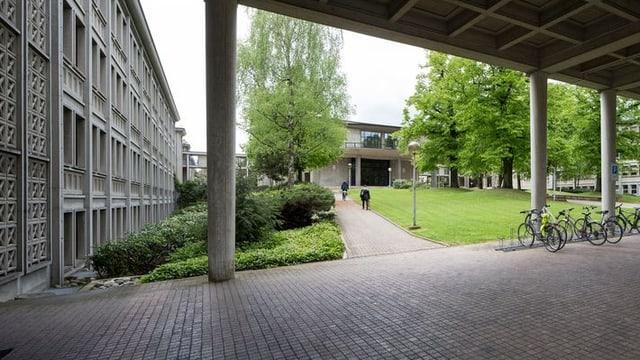 Das Universitätsgebäude von aussen.