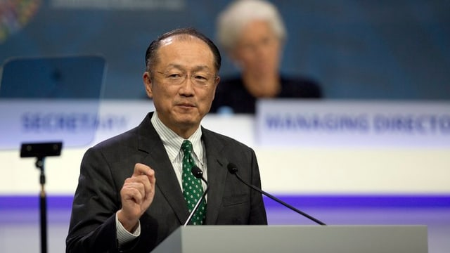 Jim Yong Kim tar in pled al pult