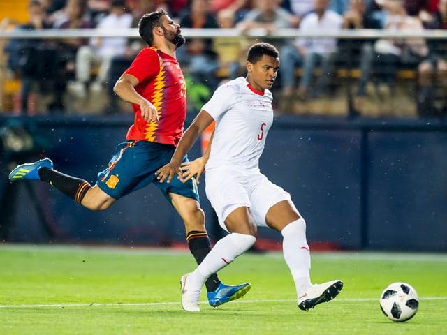 Manuel Akanji spielte sich in Villarreal in den Vordergrund.